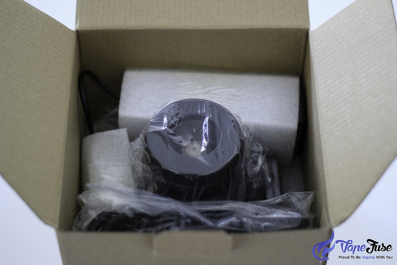 arizer-extreme-q-vaporizer-packaging