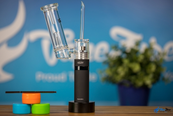 CloudV ElectroMini E-Nail with wax containers and dabbing tool