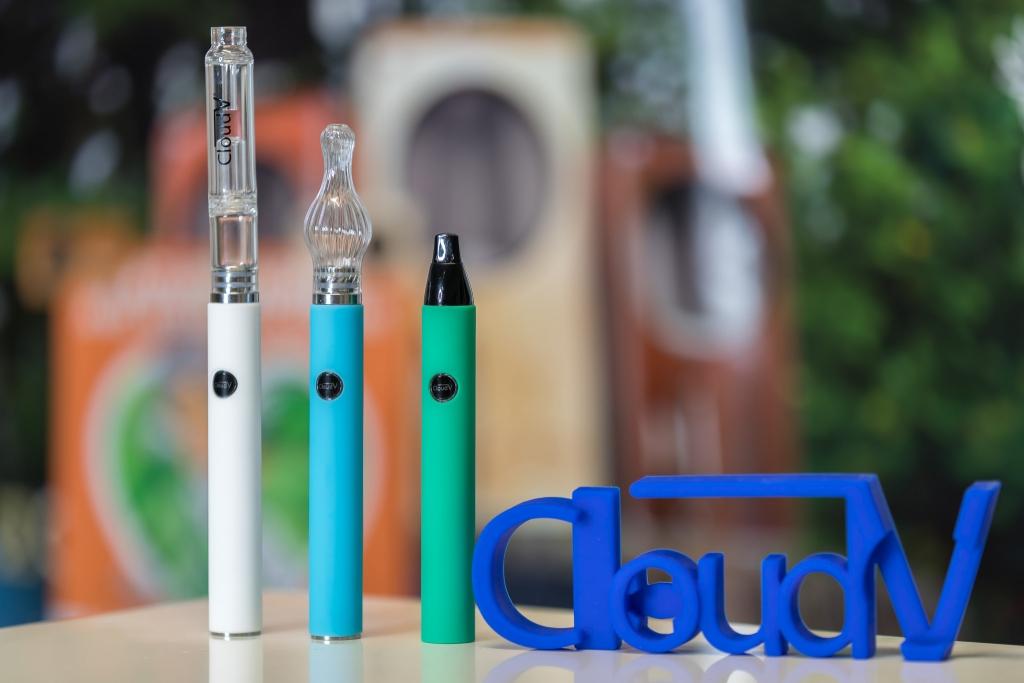 CloudV Phantom Mini portable vaporizers