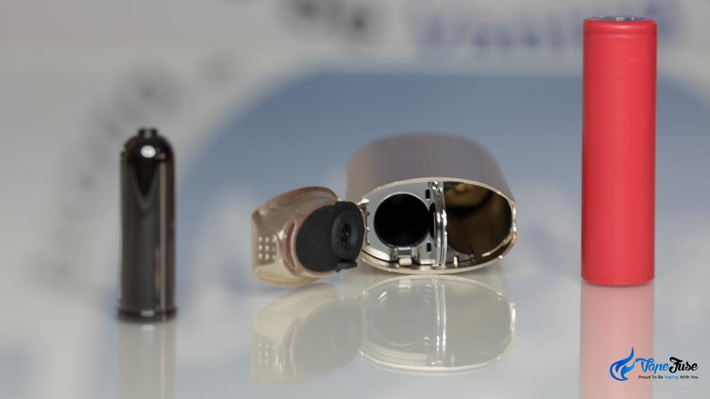 DaVinci IQ Vaporizer battery and flavor chamber