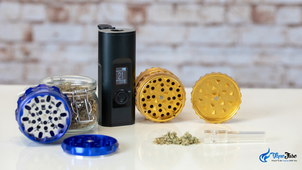 Pyramid-Tooth Herb Grinder