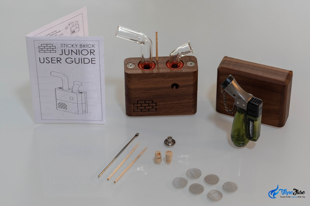 Sticky Brick Labs Junior whats in the box
